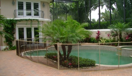 4-ft Tan/Brown/Tan Pool Fence