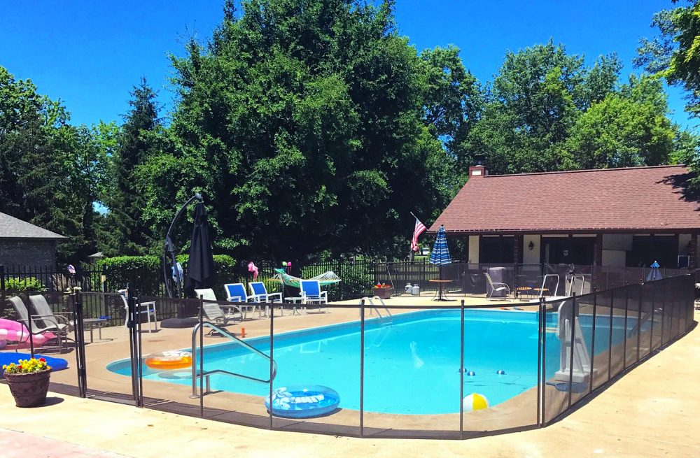 Cincinnati pool fence installer protect a child for Pool dealers