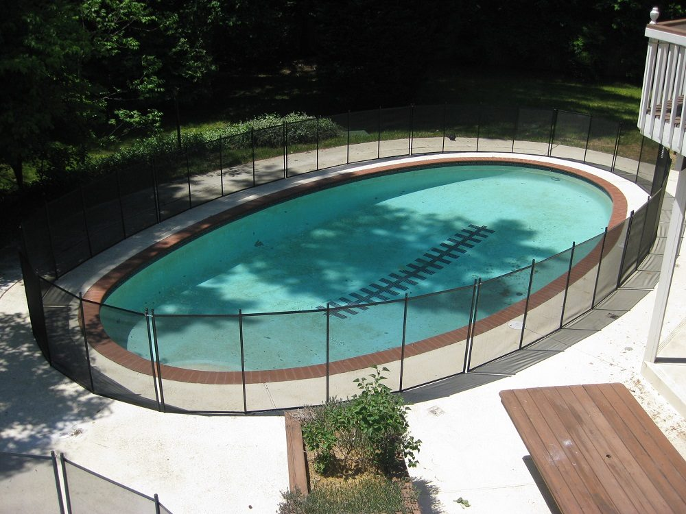 Austin pool fence installer protect a child for Pool dealers
