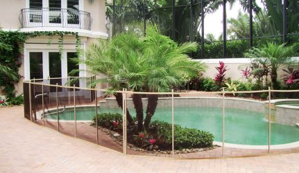 4-ft Tan/Brown/Tan Pool Fence