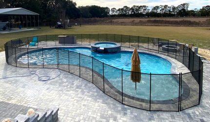 Black_pool_fence